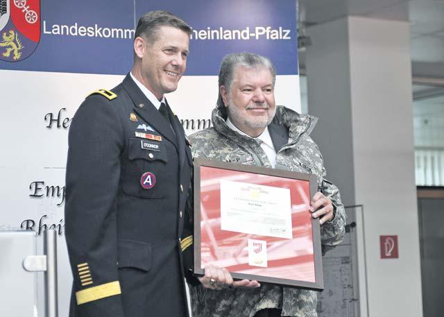 Former Rheinland-Pfalz minister president recognized by 21st TSC CG