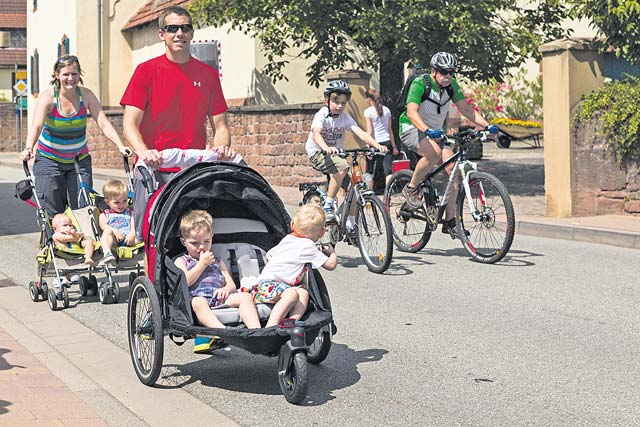 Courtesy photo Bicyclists, hikers and skaters enjoy the car-free adventure day in the Lauter Valley from Kaiserslautern to Lauterecken Sunday.