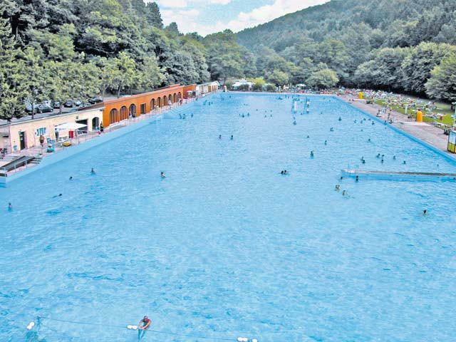 Outdoor swimming pools to open kaiserslautern american for Biggest outdoor pool