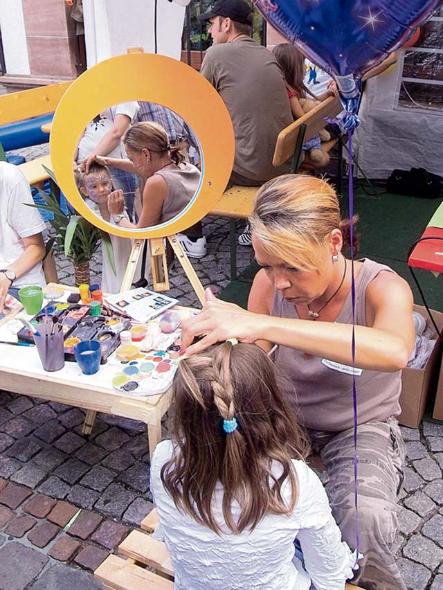Photo by city of Kaiserslautern  Children can have their faces painted and take part in other activities during the Altstadtfest.