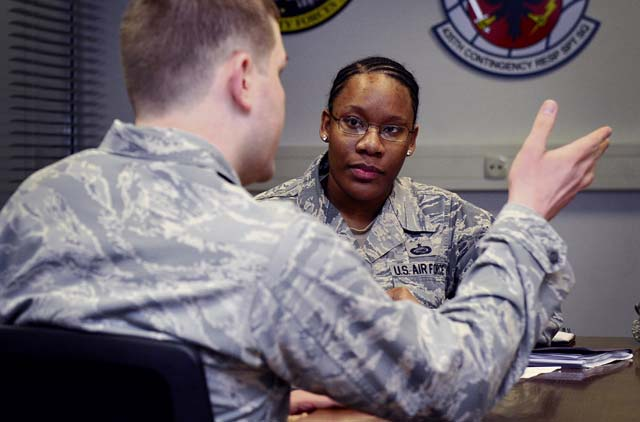 86th AW, 435th AGOW communicate through EO