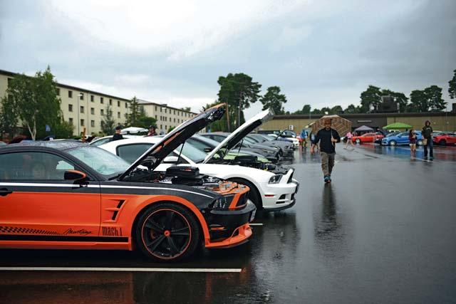 86 VRS hosts car show