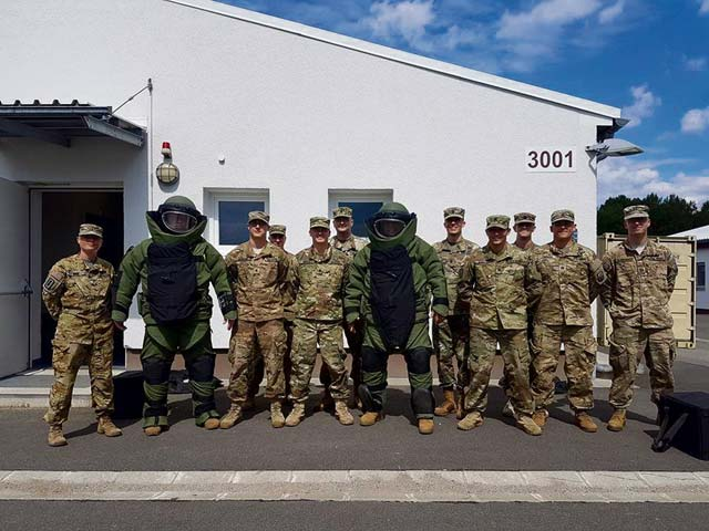 EOD Soldiers have a blast during visit from 21st TSC Command Team