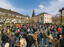 Courtesy photos  Visitors from all over the southwest region enjoy the Easter market in Sankt Wendel. It takes place from Thursday to April 2.