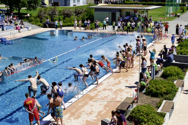 Public outdoor swimming pools now open kaiserslautern american for Swimming pools open to the public