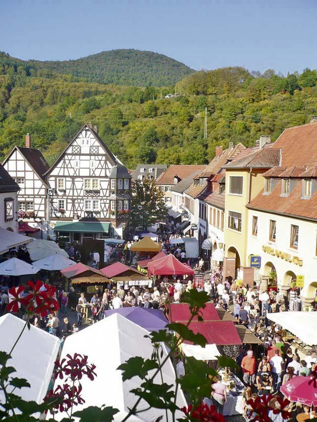 Annweiler celebrates chestnut fest
