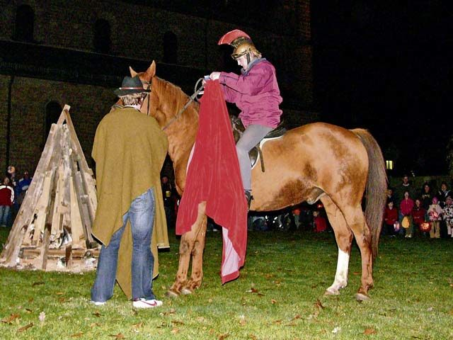 Children honor St. Martin in lantern processions
