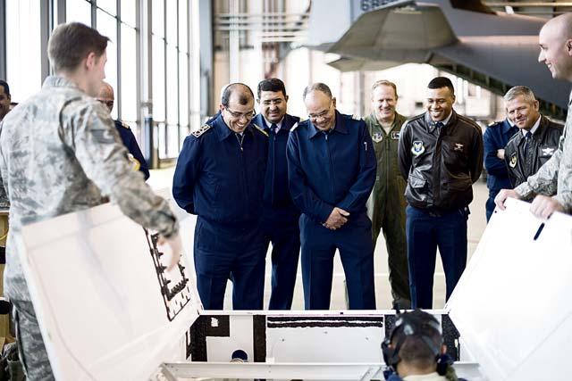Cooperation militaire avec les USA - Page 6 P10a-2