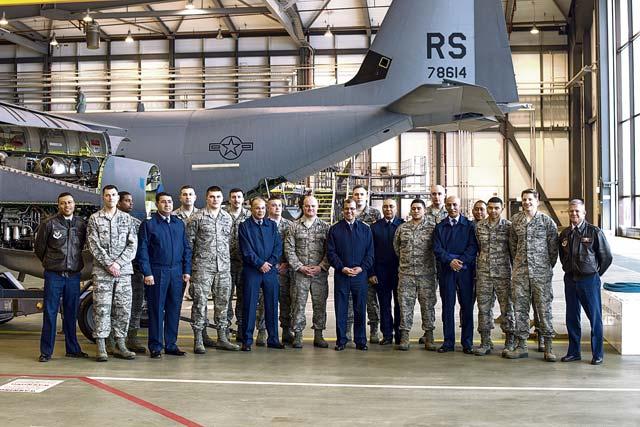 Cooperation militaire avec les USA - Page 6 P10b-2
