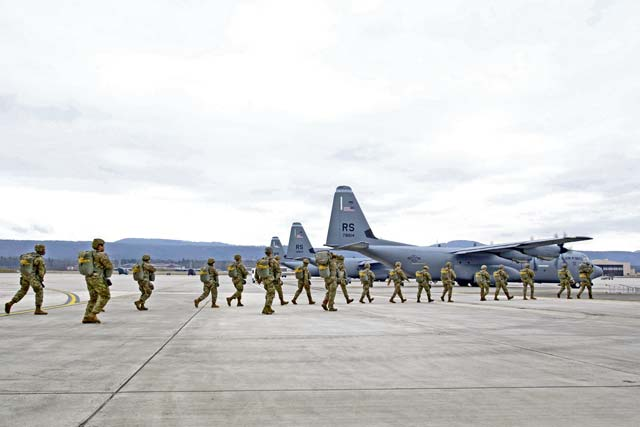 US troops jump to stay certified