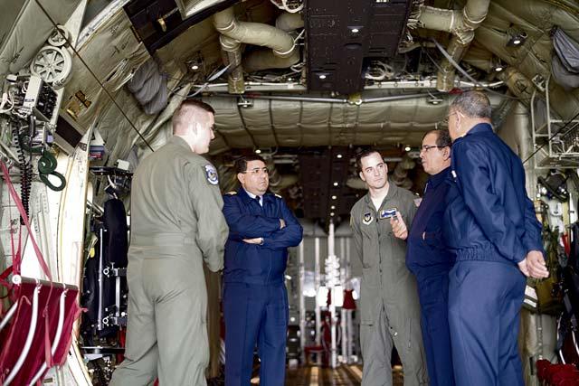 Cooperation militaire avec les USA - Page 6 P11b-2