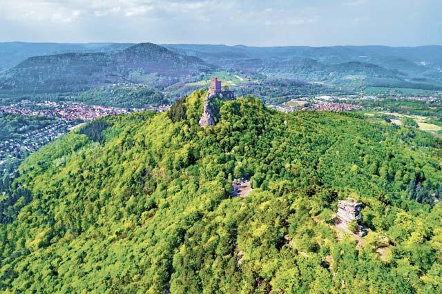 Visit Burg Trifels & Teufelstisch
