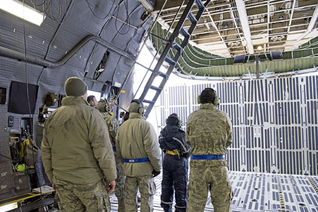 Dover, Ramstein set standard for AMOW C-5 maintenance training