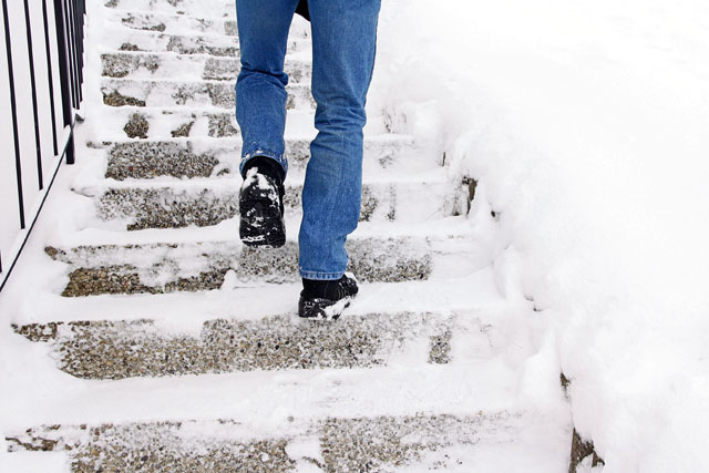 Avoid slips, falls on ice