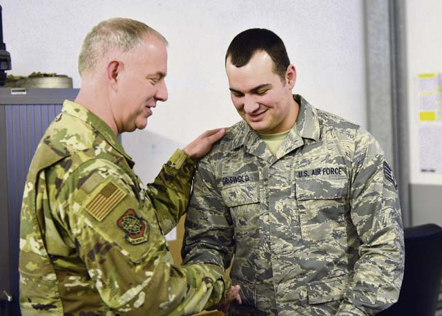 Air Force Expeditionary Center commander visits 521 AMOW units