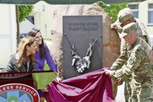 Fallen Soldier Donor Memorial unveiled at LRMC