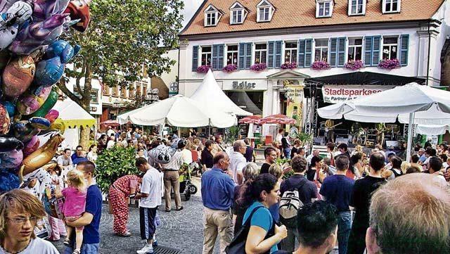 Kaiserslautern swings during Barbarossa Fest