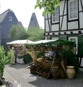 Herrstein holds its farmers, artisan market