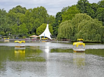 When the temperatures rise, Luisenpark is a popular place for Mannheim visitors to picnic, play or just to kick back and relax.