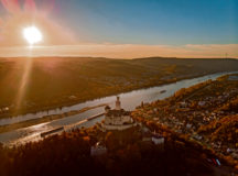 Marksburg castle by Braubach near Koblenz. Photo by fokke baarssen/Shutterstock.com