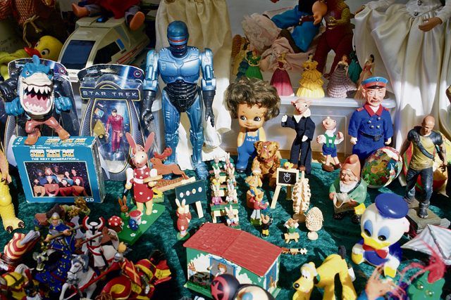Flea markets — hunting for treasures